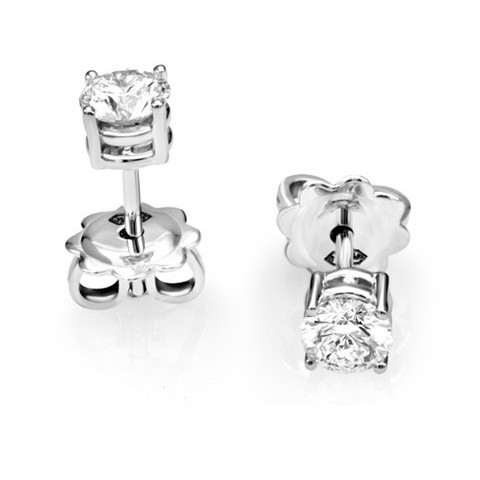 STUD EARRINGS CLASSIC